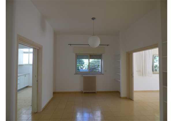 For-rent-4-room-garden-apartment-on-Arlozorov-St-Jerusalem