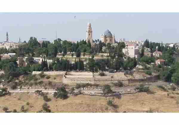 For-rent-Charming-3-rooms-in-Abu-Tor-Jerusalem-2