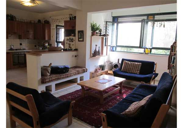 For-rent-Large-and-spacious-5.5-rooms-in-Center-Talbieh-Jerusalem