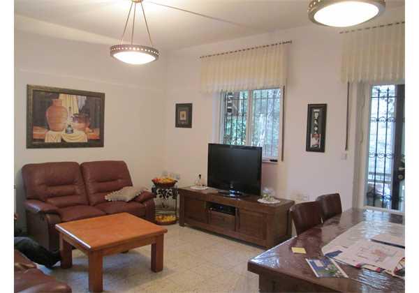 For-sale-5-room-Garden-apartment-in-Center-Talbieh-Jerusalem1
