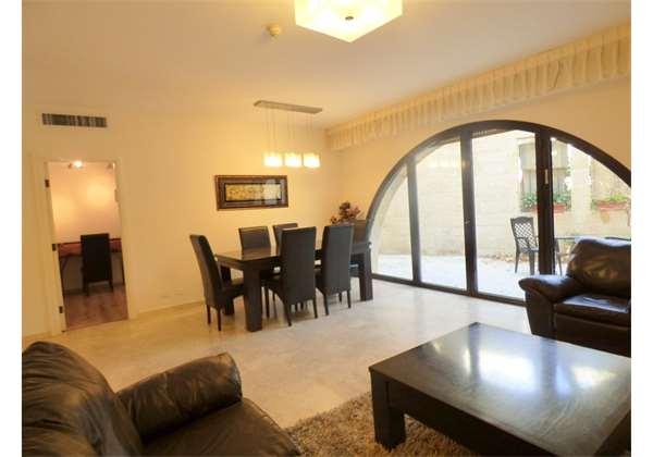 Luxury-2-Bedroom-Vacation-Rental-apartment-in-Jerusalem-Mamilla-Davids-Vilage