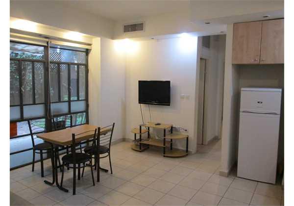 for-rent-2-bedroom-Garden-Apartment-on-Achad-ha-Am-Talbieh-Jerusalem