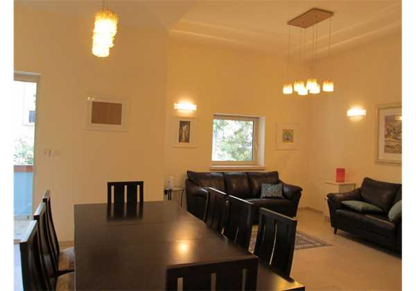 for-rent-Beautiful-and-furnished-on-Aza-St-Rechavia-Jerusalem