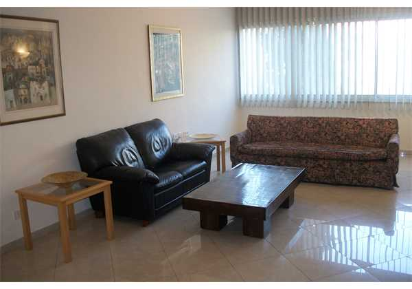for-rent-Large-and-spacious-apartment-on-Mapu-ST-Talbiha-Jerusalem