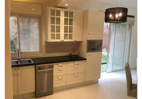 for-rent-Renovated-fully-furnished-garden-apartment-in-Talbieh-Jerusalem