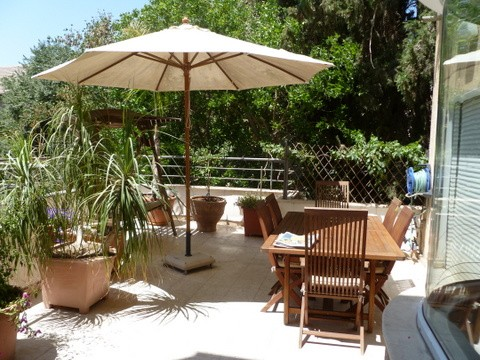 for-sale-Large-Bauhaus-style-cottage-in-Rechavia-Jerusalem